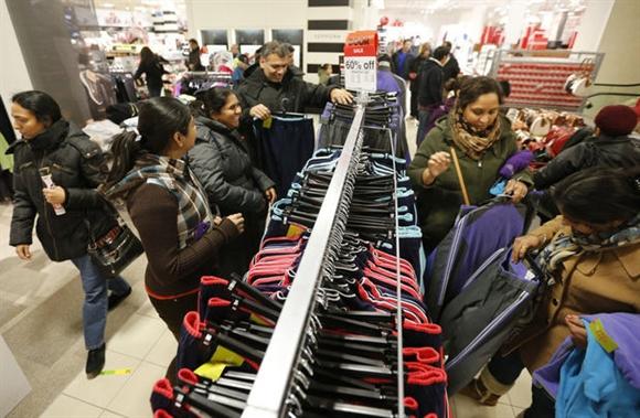Theo một khảo sát mới đây của hãng nghiên cứu Accenture, các hãng bán lẻ như Wal-Mart, và Sears được coi là những lựa chọn hàng đầu của các tín đồ săn hàng giảm giá dịp Black Friday.