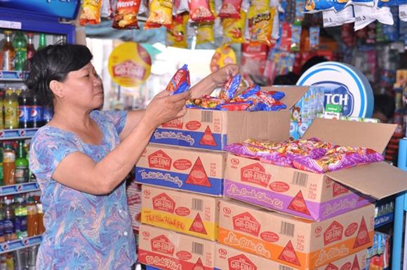Sản phẩm mì Đại Gia Đình Ki Do bày bán trong cửa hàng