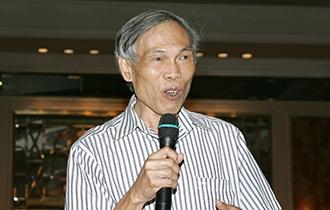 Ông Trương Đình Tuyển, nguyên Bộ trưởng Bộ Thương mại.. Ảnh