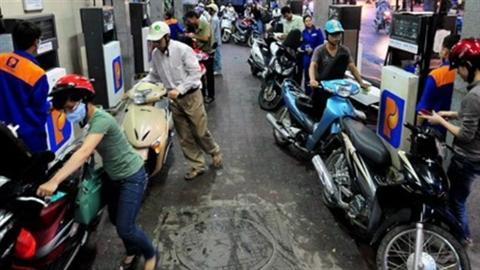 Giá xăng giảm tiếp 320 đồng/lít và chuyện Petrolimex lợi nhất?