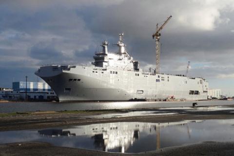 Tàu chiến Vladivostok lớp Mistral mà Pháp trì hoãn giao cho Nga