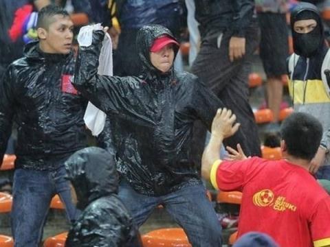 100% lực lượng cảnh sát Hà Nội sẽ đến bảo vệ trận bán kết trên sân Mỹ Đình, tránh sự việc như ở Malaysia.