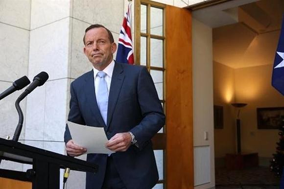 Thủ tướng Tony Abott họp báo để công bố những diễn biến mới nhất về vụ bắt cóc đồng thời kêu gọi người dân bình tĩnh.