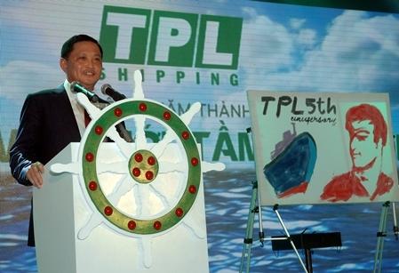 Ông Nguyễn Văn Đạt - Cố vấn chiến lược của HĐQT TPL Shipping phát biểu  về những thách thức và thành công của công ty sau 5 năm đi vào hoạt động - Ảnh: Phó Bá Cường