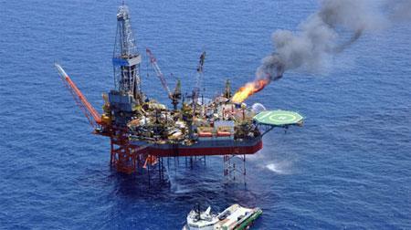 Giàn khoan khai thác dầu khí trên Biển Đông