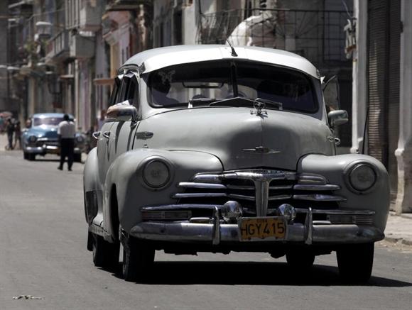 Chevrolet 1947 vẫn bon bon trên phố Havana