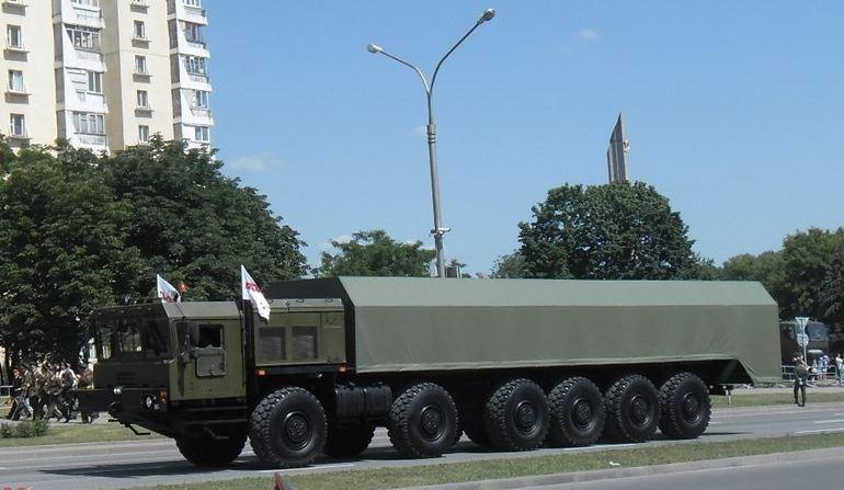 """Nguồn tin trên cho biết, trước khi chính thức sản xuất loạt, hệ thống tên lửa RS-26 sẽ phải trải qua cuộc thử nghiệm cuối cùng: """"Các cuộc thử nghiệm tên lửa đạn đạo RS-26 vẫn được tiến hành. Trong tháng 12/2014, một cuộc thử nghiệm tiếp theo sẽ được thực hiện. Đây sẽ là những căn cứ trước khi đưa ra quyết định sản xuất hàng loạt loại tên lửa đạn đạo liên lục địa tối tân này""""."""