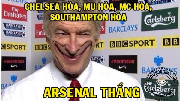 Tất cả Chelsea, M.U và M.C đều giành kết quả hòa ở vòng 19 NHA. Đội bóng của Wenger đã giành chiến thắng 2-1 trước West Ham. HLV  Wenger đang rất vui mừng sau vòng 19 này.