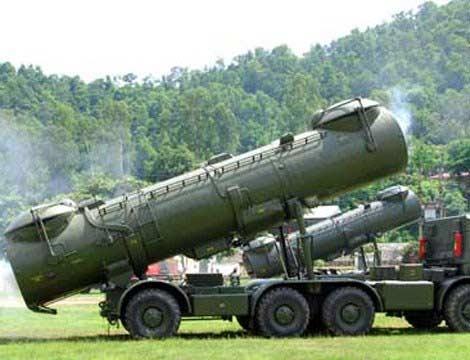 """Hiện nay, vũ khí mạnh nhất của Lữ đoàn tên lửa bờ 679 là các hệ thống tên lửa chống hạm được mệnh danh là """"sát thủ tàu sân bay"""" 4K44 Redut-M."""