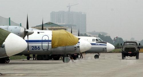 Ngày 9/9/2013, Quân chủng Phòng không-Không quân đã công bố Quyết định của Bộ trưởng Bộ Quốc phòng tổ chức lại Trung đoàn không quân 918 thành Lữ đoàn không quân 918. Với quyết định này, Không quân Nhân dân Việt Nam có lữ đoàn không quân đầu tiên.