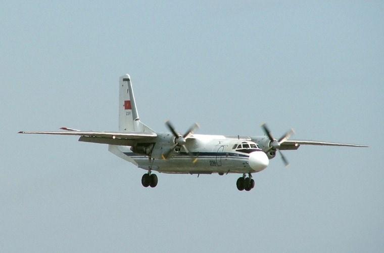 An-26 có khả năng chở tối đa 40 hành khách hoặc 5,5 tấn hàng hóa trong khoang hàng. Máy bay trang bị 2 động cơ tuốc bin cánh quạt Progress AI-24VT cho phép đạt tốc độ 440km/h, tầm bay với nhiên liệu tối đa 2.500km hoặc chỉ 1.100km với tải trọng tối đa. Ngoài nhiệm vụ vận tải, khi cần thiết An-26 của Đoàn 918 còn làm nhiệm vụ hỗ trợ khắc phục hậu quả thiên tai bão lụt, bay thông báo bão giúp ngư dân.