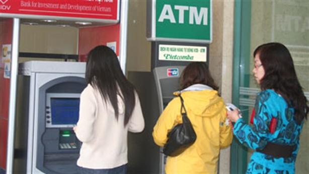 ATM lại... hết tiền!