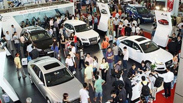 'Tan' giấc mơ ô tô Việt: Khi chính sách tự mâu thu��n