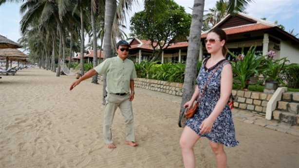Resort khóa mặt tiền bãi biển: Nhóm nào thu lợi?
