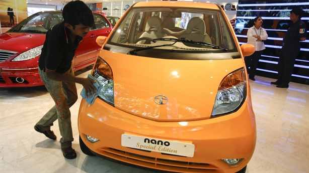 Ôtô Ấn Độ đổ bộ: Người Việt thích oai hay mê rẻ?