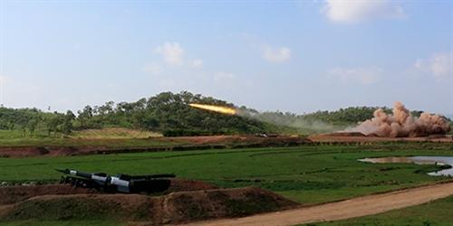 Ngay khi nhận lệnh từ sở chỉ huy, các đơn vị đã nhanh chóng triển khai chuẩn bị chu đáo các bộ khí tài tên lửa Pechora-2TM tham gia phóng thử. Công tác chỉ huy bắn được tiến hành đồng bộ, đúng kế hoạch.