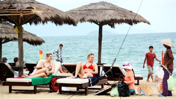 Bãi biển Nha Trang lại bị cắt cho tư nhân vạn m2
