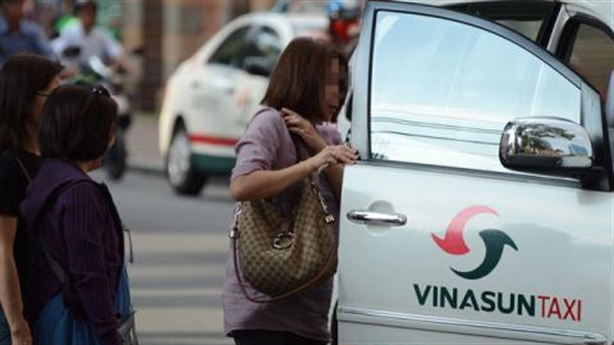 Tài xế taxi tốt bụng trả lại iPhone 5s