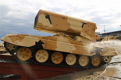 Ban tổ chức RAE 2015 tuyên bố, tại triển lãm sẽ khôi phục Ngày hội xe tăng từng có dưới thời Liên Xô và nhiều màn biểu diễn đặc sắc của vũ khí thế hệ mới của Nga.