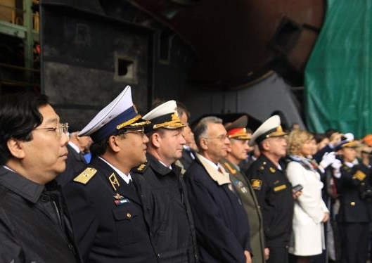 Hợp đồng bao gồm cả quá trình đào tạo thủy thủ đoàn cho tàu ngầm cũng như cung cấp các thiết bị cần thiết.