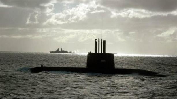 Tàu ngầm khủng Thổ Nhĩ Kỳ lộ mật khi bám tàu Nga