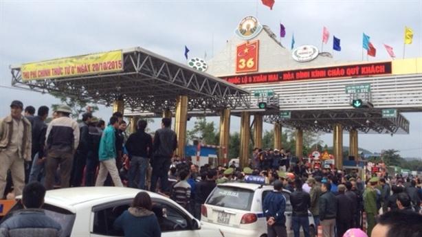 Dân vây trạm thu phí Lương Sơn: Sự không biết khó hiểu