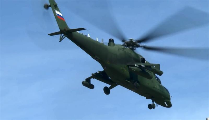 Sau khi đoạn video này xuất hiện, báo Rossiyskaya Gazeta viết, những yếu tố chứng tỏ đây là các trực thăng chuyên dụng gồm có màu sơn xanh lá độc đáo, không thấy dấu hiệu nhận biết nào khác ngoài ba vạch quốc kỳ Nga trên đuôi.