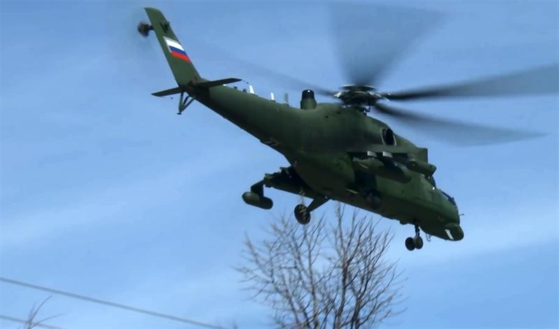 Những điểm khác bộc lộ vai trò đặc biệt của các trực thăng là rất nhiều anten trên thân máy bay, các thành phần thiết bị điện tử được treo ở cánh.