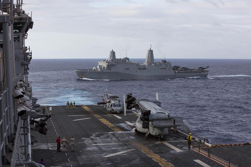 """Ông Majumdar cho biết thêm: """"Việc giải phóng hầm tàu sẽ tạo nên không gian để triển khai nhiều ống phóng tên lửa hơn so với một tàu tuần dương hay một tàu khu trục. Có thông tin cho rằng, thân tàu đổ bộ USS San Antonio có thể chứa được gấp đôi số lượng tên lửa so với một chiếc tàu tuần dương lớp Aegis""""."""