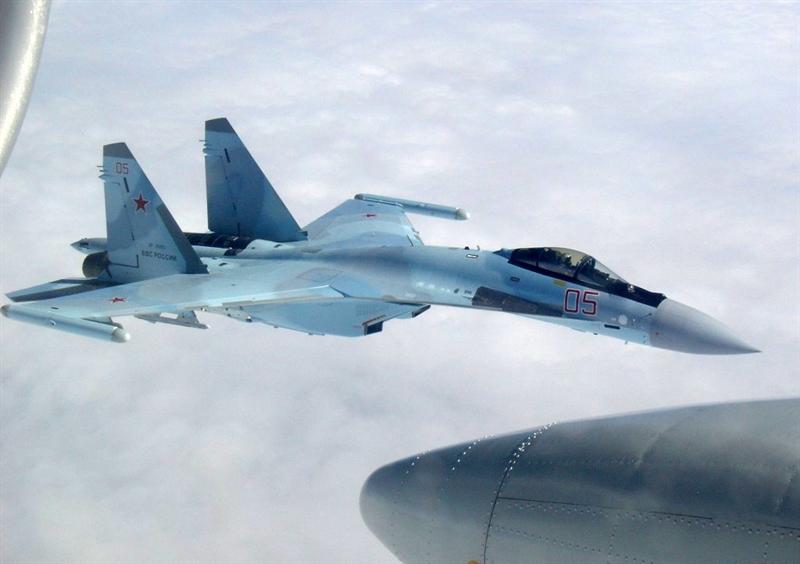 Được biết, để đến được Syria, những chiếc Su-35S đã xuất phát từ một sân bay ở Volga (vùng Astrakhan phía Tây nam Nga) và phải bay qua không phận Iran và Iraq. Bay cùng phi đội Su-35S còn có 1 máy bay Tu-154.