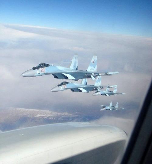 Bốn chiếc Su-35S này là chiếc thứ 37 - 40 do Nhà máy Sukhoi sản xuất, cung cấp cho Không quân Nga theo hợp đồng giao 48 chiếc ký vào tháng 8/2009.