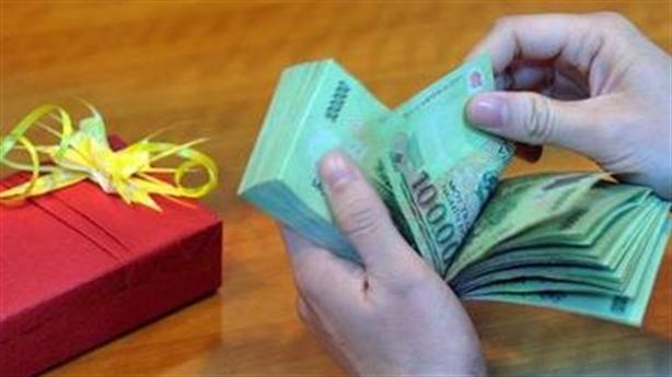Người Việt chi 14 triệu Tết/người: Chắc để ''mua quan''?