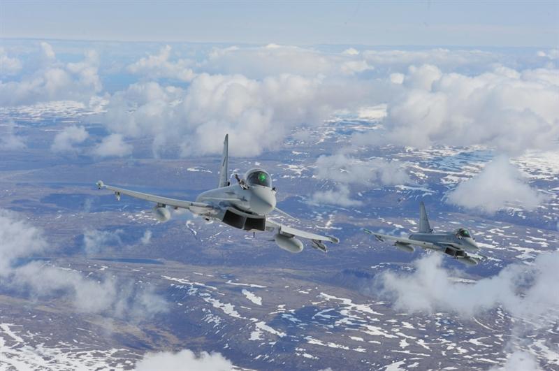 Điểm đặc biệt của bản hợp đồng này là việc tiêm kích Typhoon được tích hợp hệ thống radar AESA cực mạnh. Vậy công nghệ radar AESA có gì đặc biệt?