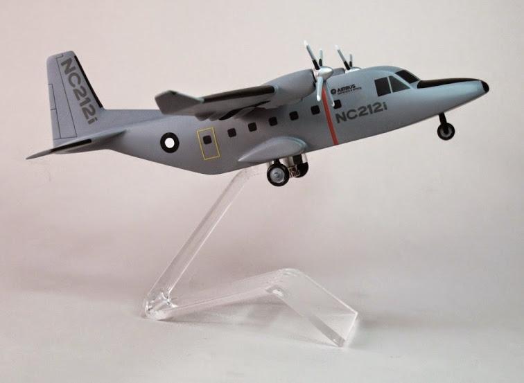 Máy bay NC212i được thiết kế cho nhiệm vụ chở quân và vận tải hàng hóa với tổng tải trọng khoảng 2,7 tấn, cũng như tham gia các hoạt động tìm kiếm cứu hộ trên biển, hoạt động nhân đạo...