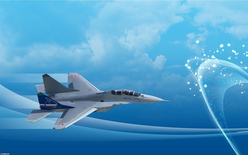 """""""MiG-35 sẽ nhận được hệ thống định vị mới. Chúng tôi đã kí hợp đồng và sẽ đưa một vài nguyên mẫu vào thử nghiệm trong cuối năm nay hoặc đầu năm sau"""", ông Alexei Kuznetsov cho hay."""