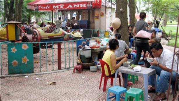 Trung tâm thương mại trong Công viên Thống Nhất:Hà Nội vì ai?
