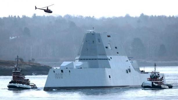 Siêu hạm Zumwalt thẳng tiến Biển Đông, kiềm chế Trung Quốc...