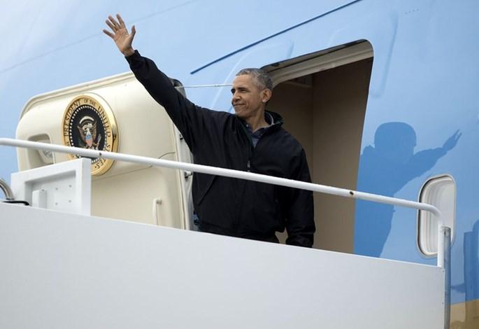 Tổng thống Mỹ Barack Obama lên chuyên cơ Không lực Một – Twitter Doug Mills/NYT