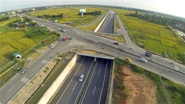 Cao tốc chuẩn Việt, giá châu Âu: Bộ GTVT lên tiếng...