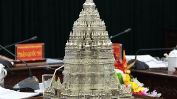 Xây tháp Phật giáo lớn nhất thế giới: Phải xem xét kỹ