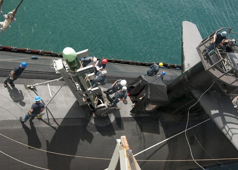 So với các mẫu tên lửa Mk-48 trước đây, phiên bản Mod 7 được trang bị hệ thống sonar có băng thông rộng hơn. Nó có thể tiếp nhận các tín hiệu ở dải tần số rộng hơn và xử lý chúng để nâng cao khả năng tìm kiếm, xác định mục tiêu và độ chính xác của ngư lôi.
