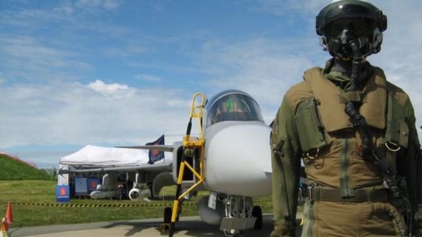 Phương án Việt Nam bỏ F-16, mua Jas-39 Gripen?