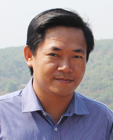 Hoa Nip da 'bay' den canh dong van hoc