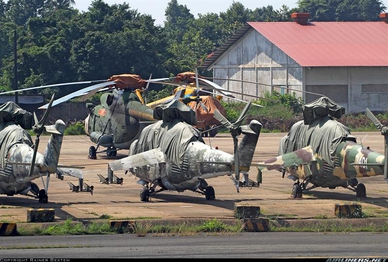 Ngày 11/01/1980 phi đội trực thăng vũ trang đầu tiên của Không quân Việt Nam được thành lập mang phiên hiệu phi đội 304 thuộc Trung đoàn 916.