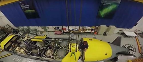 Để tăng cường hiệu quả khi làm nhiệm vụ, Echo Voyager cũng được trang bị hệ thống sonar thủy âm và radar, nhưng với đặc thù hoạt động của môi trường dưới lòng biển không chỉ cần trang bị, mà cả kinh nghiệm của kíp thủy thủ đoàn. Đây một trong những yếu tố, thiết bị không người lái không thể so sánh với các tàu ngầm thực thụ. Việc hoàn thiện các thiết bị không người lái hoạt động dưới nước sẽ còn mất thêm nhiều thời gian.