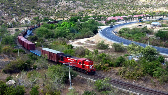Tái khởi động đường sắt cao tốc Bắc - Nam: Có sớm không?