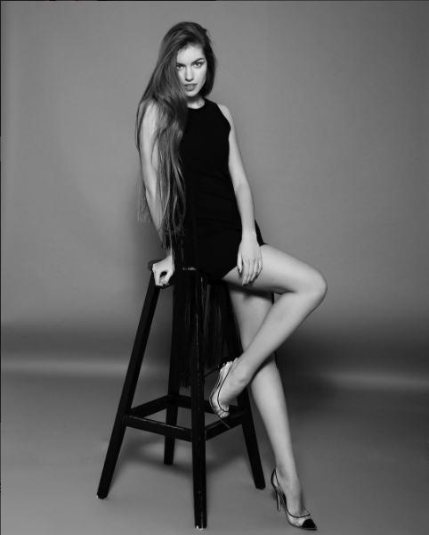 Kucherenko năm nay mới 18 tuổi. Cô được xem là một trong những chân dài trẻ tuổi và tài năng.