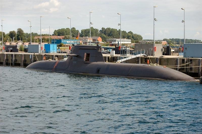 Theo nguồn tin này, Hải quân Philippines đã điều đến Đức một số lượng không xác định sĩ quan hải quân để học lái tàu ngầm. Căn cứ vào thông tin này, gần như chắc chắn rằng Philippines đã quyết định mua ít nhất là 2 chiếc tàu ngầm Type 212 do Đức sản xuất. Tuy nhiên chưa rõ khi nào Philippines chính thức đặt mua tàu ngầm.