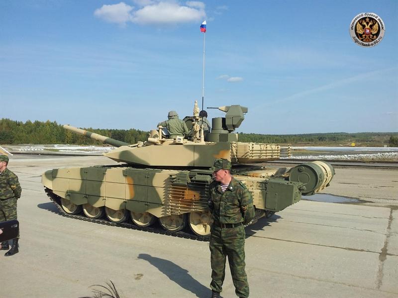 Loại giáp này được đánh giá là có khả năng chống chịu đạn chống tăng RPG, tên lửa chống tăng và đạn xuyên giáp APFSDS. Kontakt-5 được đánh giá là thừa sức chịu được đạn pháo tiêu chuẩn 120mm trên các loại tăng phương Tây.