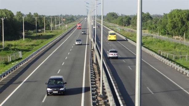 230.000 tỷ đường bộ cao tốc Bắc - Nam: Làm rồi thu phí?